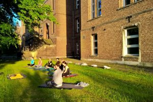 Yoga in het Loreto klooster